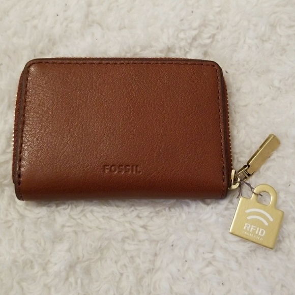 new products dba21 e0ee5 Fossil RFID mini zip card case NWT